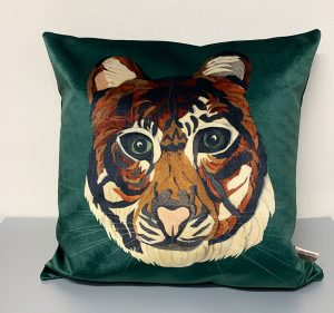 Tiger Cushion Velvet